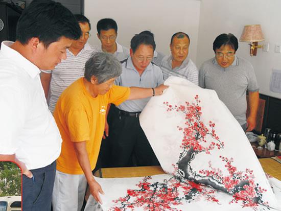 民政部社会福利促进司主任王晓峰在康复中心指导工作